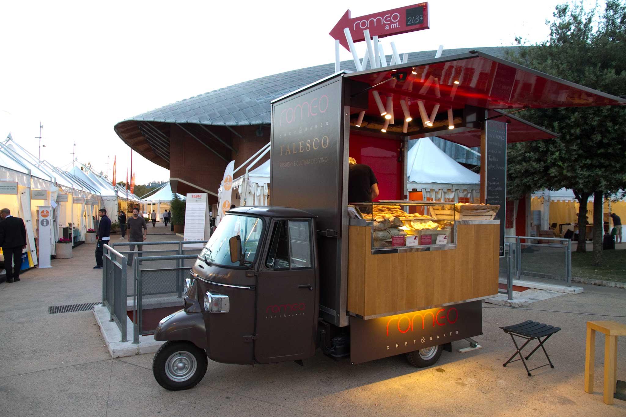 ape romeo-street food-eatinero-cibo di strada-panino