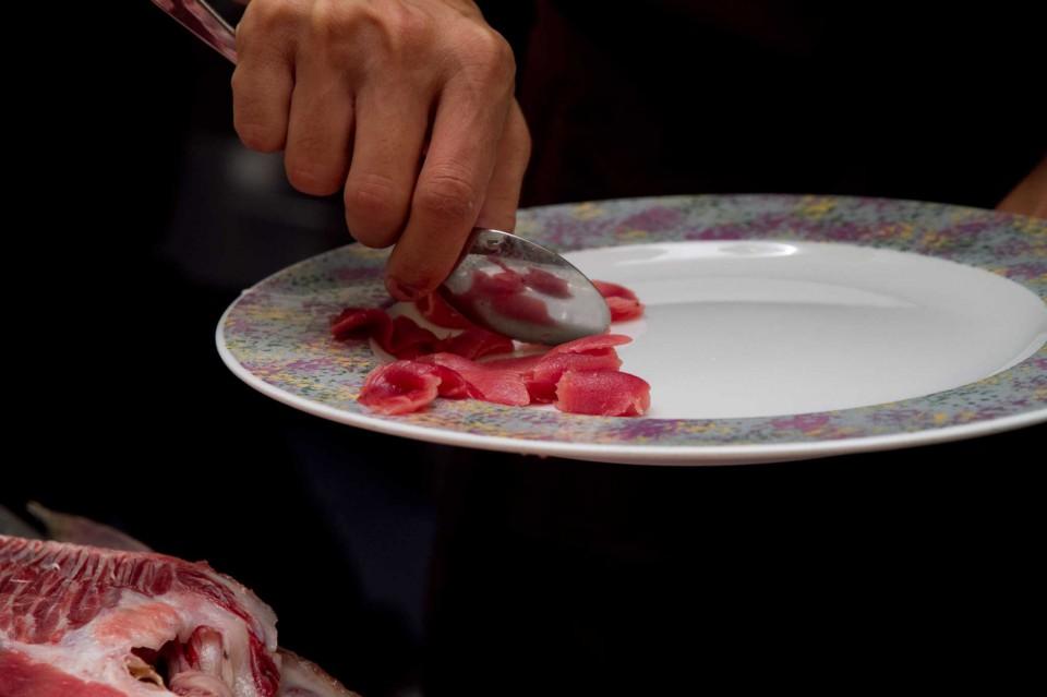 carne delle spine di tonno rosso