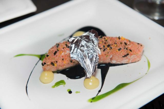 salmone fresco in cartoccio