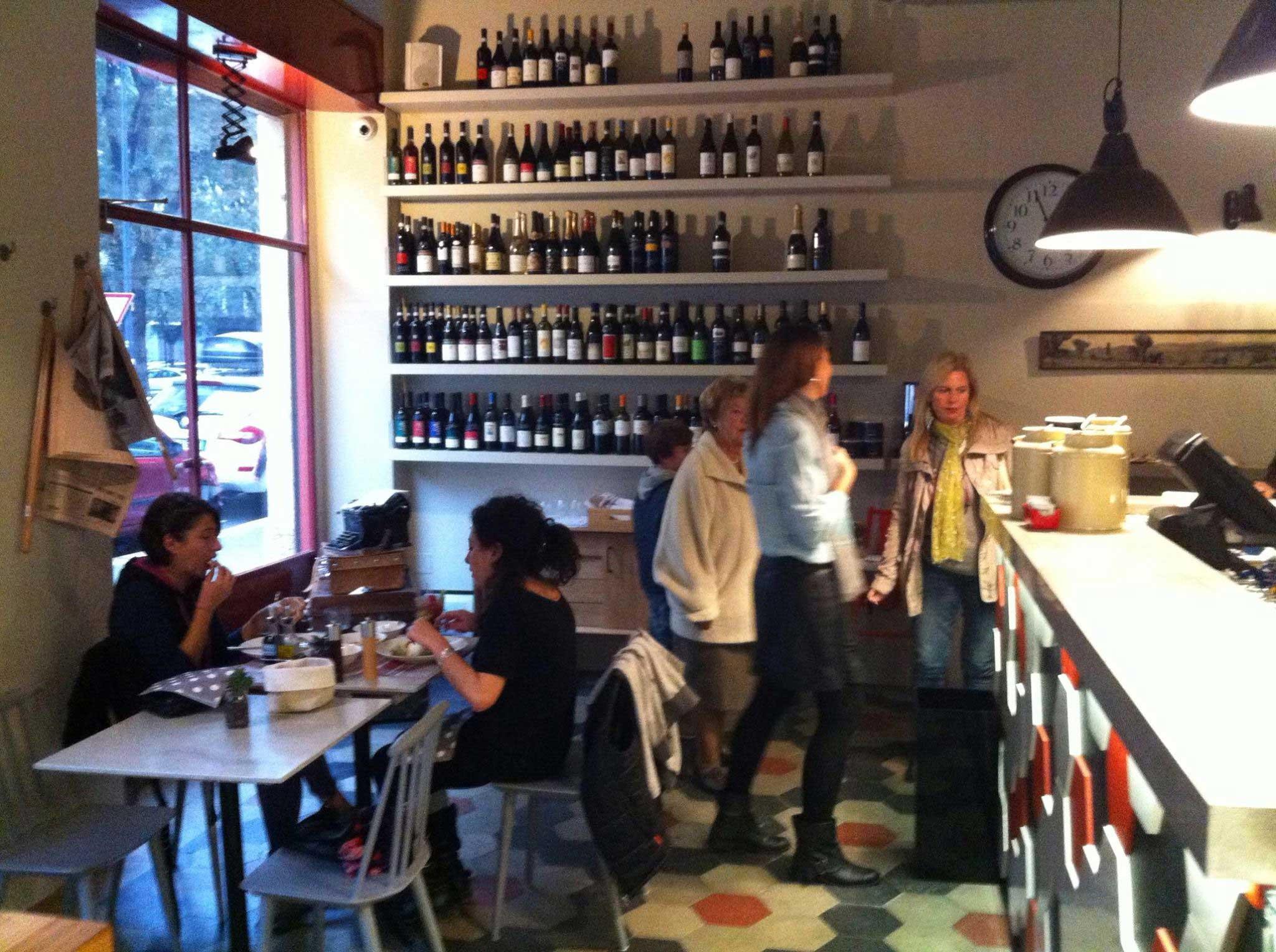 Isa e vane design vino cucina tradizionale piccoli for Mobili da ristorante di design