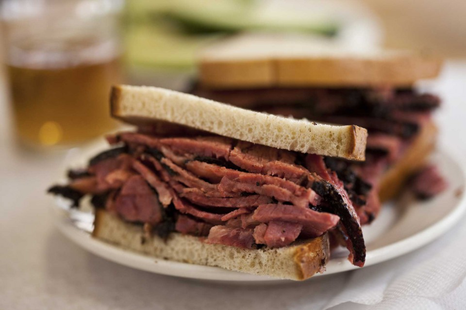 Pastrami Kat'z Delicatessen New York