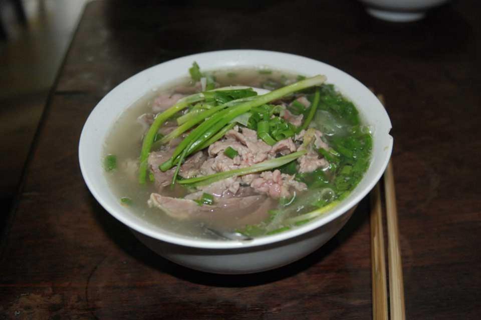 Pho Noodle Soup al Pho Gia Truyen, Vietnam