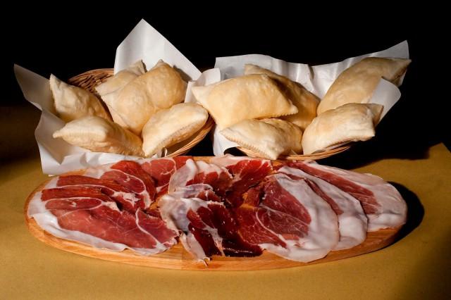 gnocco fritto prosciutto modena 30 mesi cinta senese 36  maiale nero di parma 30