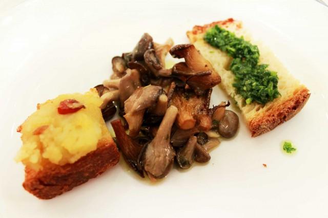 pane patate peperoni funghi rapa selvatica