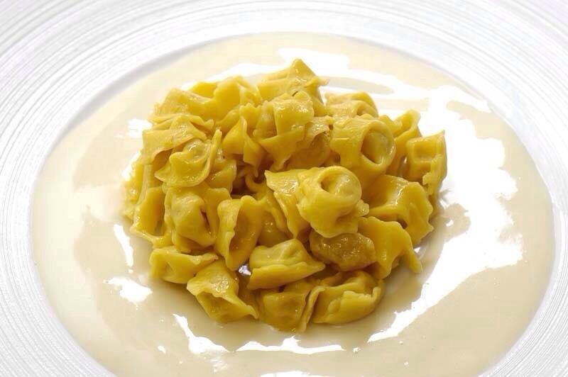 tortellini in crema di parmigiano