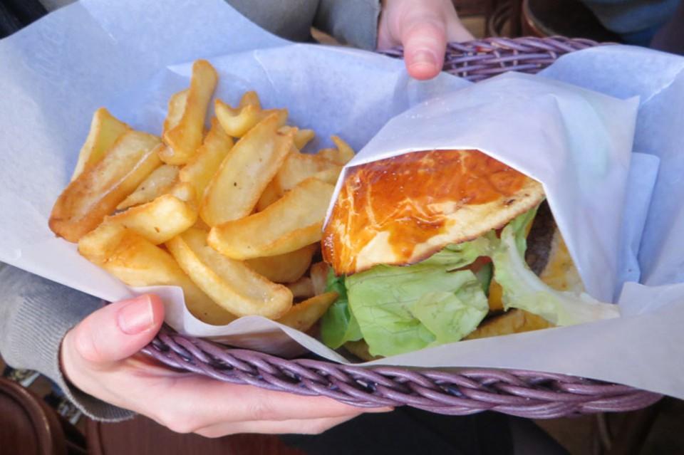 202 Hamburger cheeseburger