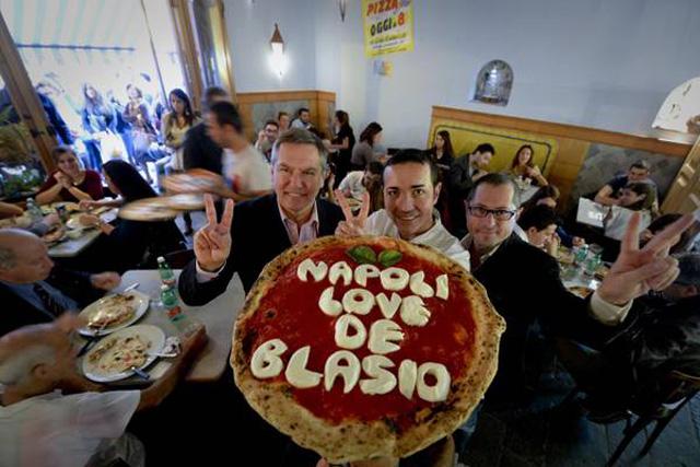 Usa: elezioni Ny, pizza made in Naples dedicata a De Blasio