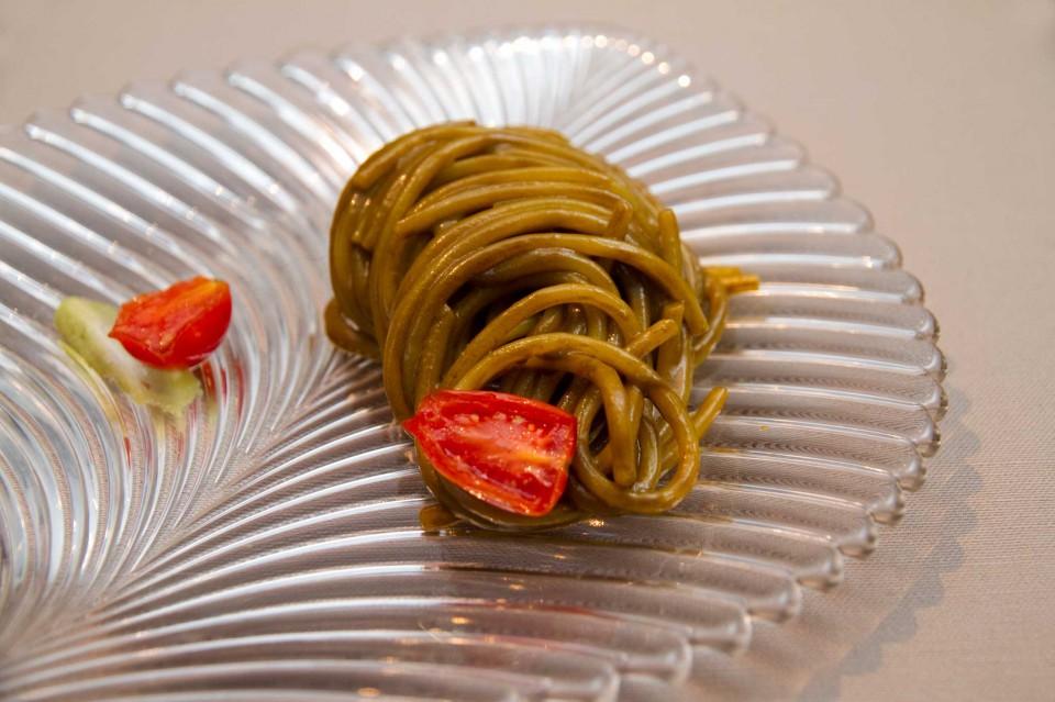 Spaghettoni con anemoni di mare