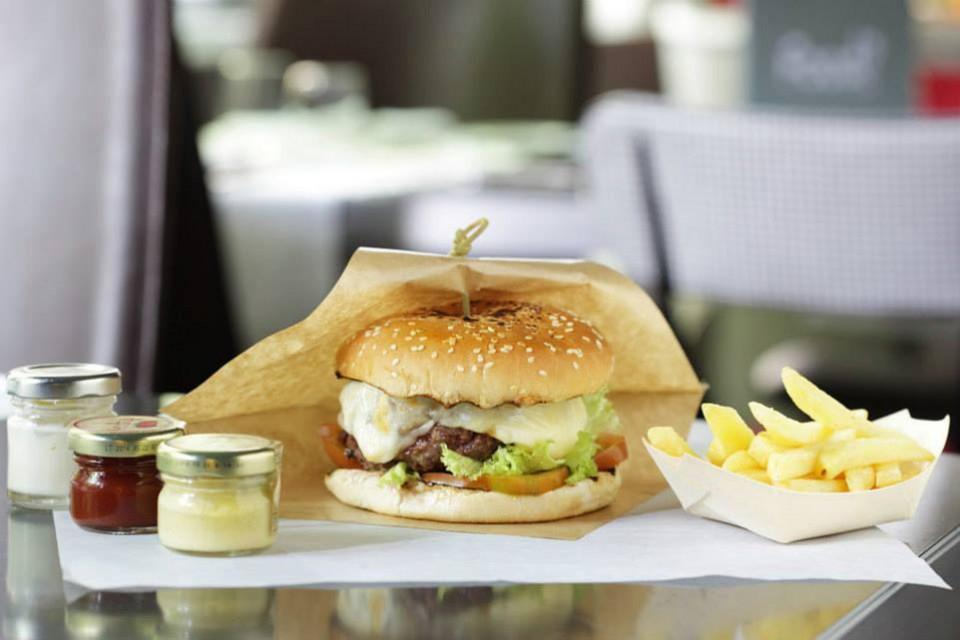 cheeseburger Diana Majestic
