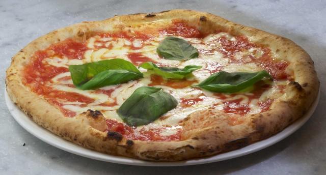 pizza-margherita-Enzo-Coccia