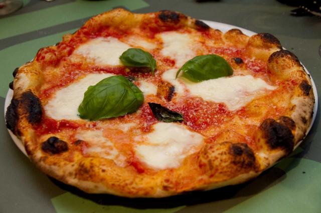pizza margherita Sforno Roma