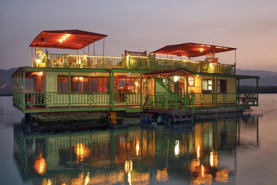 ristorante_barca