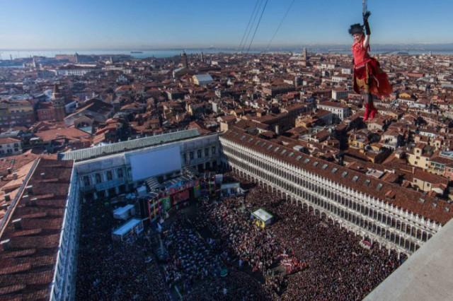 volo Carnevale di Venezia