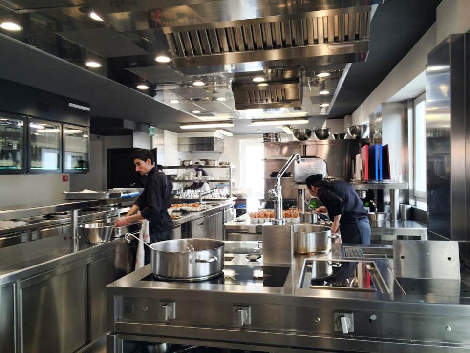 Milano cosa mangiate da brian barry che apre a san babila for Piani di costruzione di stand del ristorante