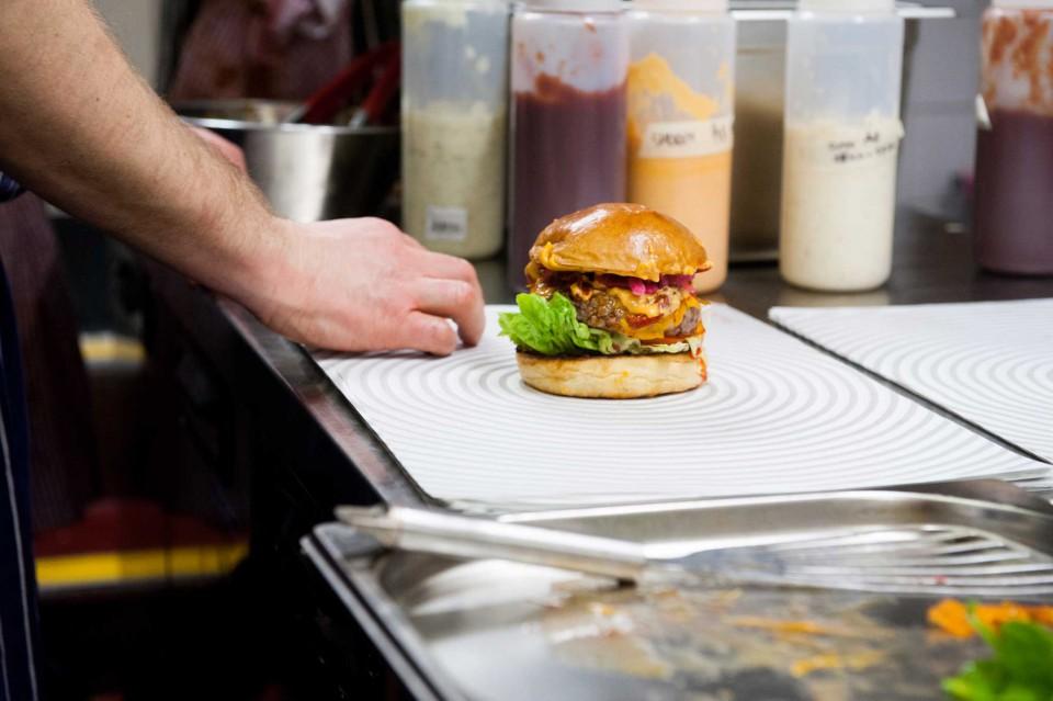 hamburger patty e bun