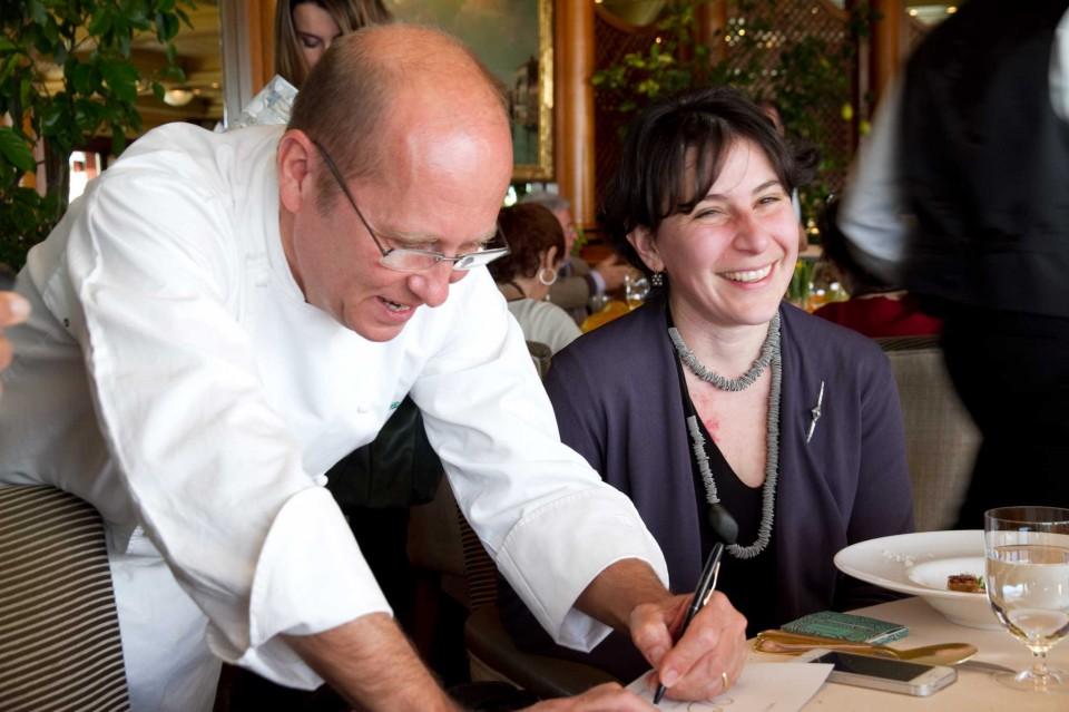 Heinz beck festeggia il ristorante la pergola con un menu for La pergola prezzi