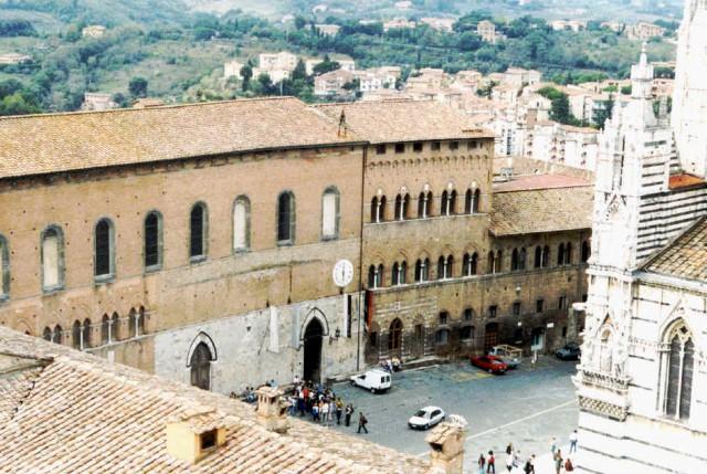 Siena Santa Maria Squarcialupi Eataly