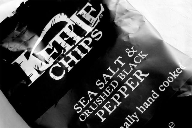 kettle chips patatine pepe nero