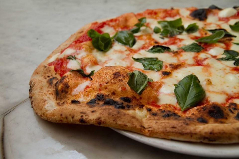 pizza Margherita Gino Sorbillo