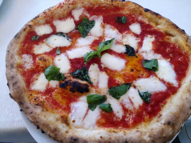 pizza margherita Parisi