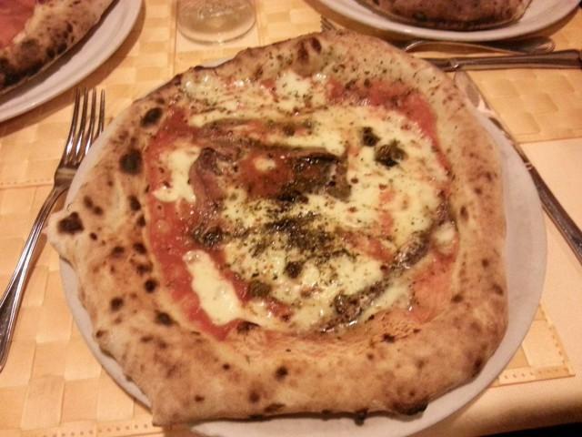 pizza mascalzone latino trieste