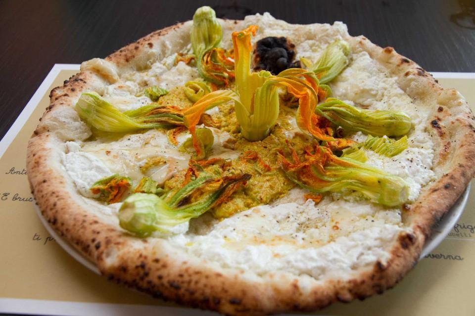 pizza ricotta fiori bufala