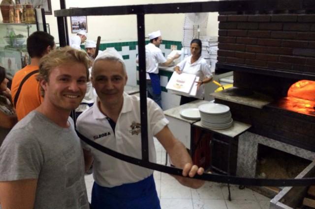 Nico Rosberg pizza Da Michele