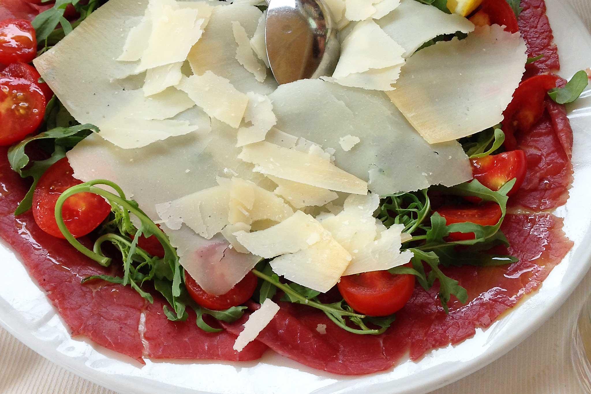 Prodotti tipici del trentino Alto Adige carne salada