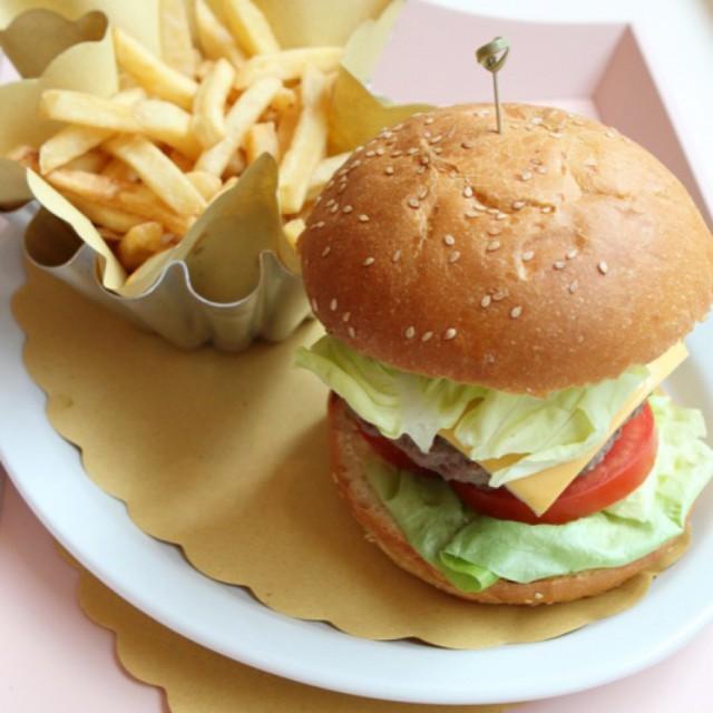 hamburger Milano Vanilla Bakery