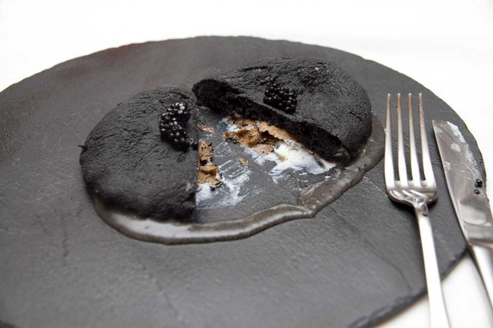 pizza nera fritta tartufo