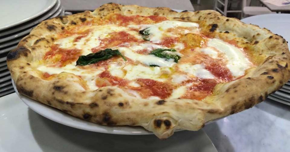 Gino Sorbillo apre pizzeria Lievito Madre Milano