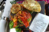Hamburger doc. Massimo Bottura vs Chris Large: stellato o costoso?