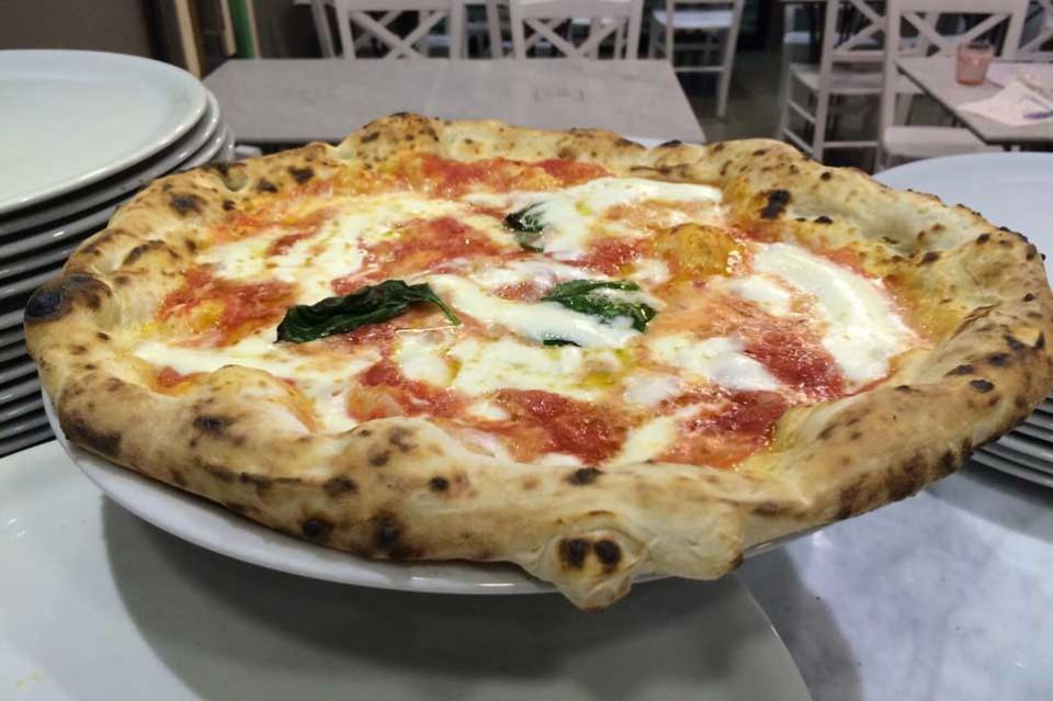 pizza margherita Bio Gino Sorbillo