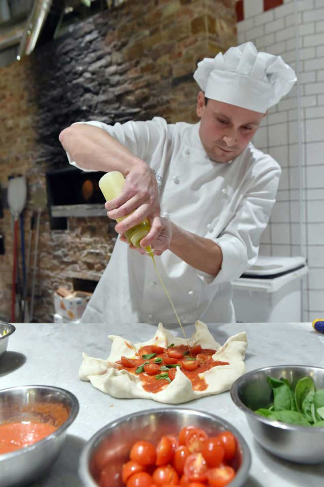 Stefano Bosica pizza a nastro