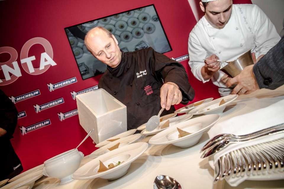 Heinz Beck prepara piatto