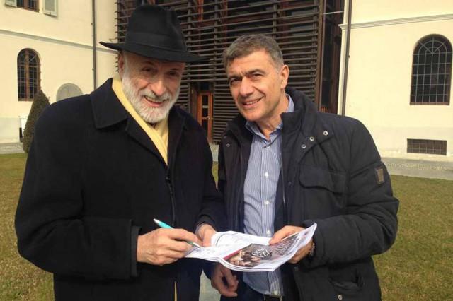 Carlo Petrini firma #pizzaunesco