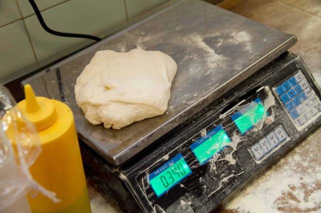 Pane fatto in casa bilancia impasto