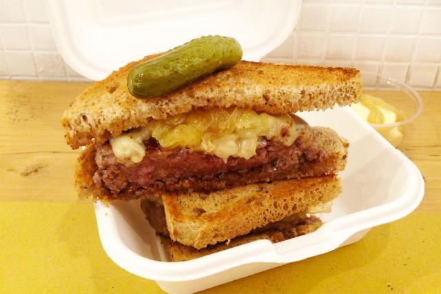 cheeseburger_ciao_checca