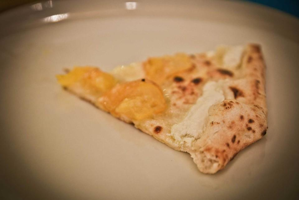 pizza del Papa fetta