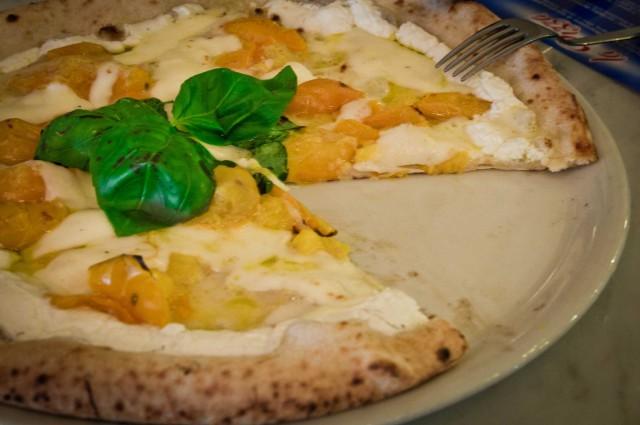 pizza del Papa taglio