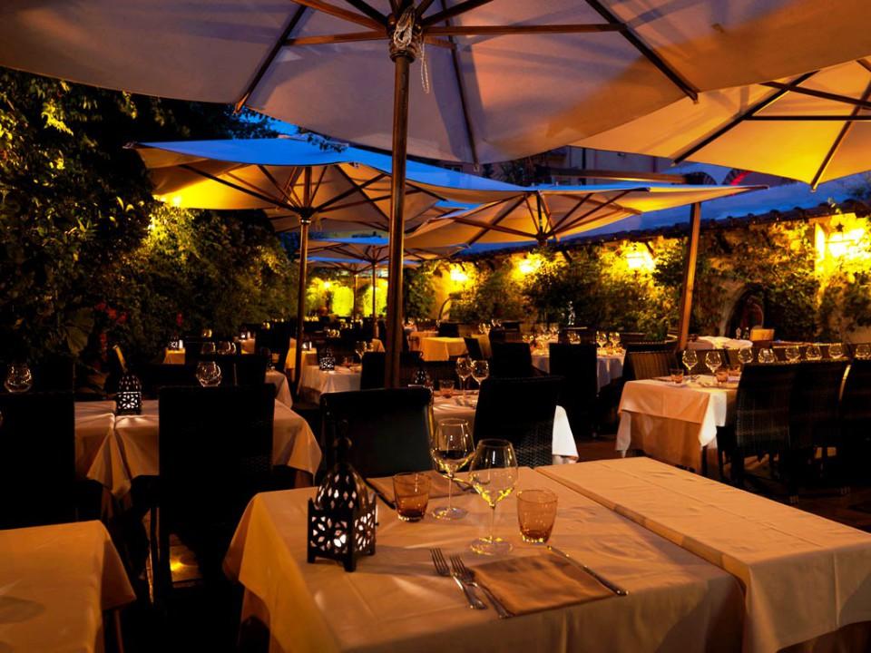 Roma ristoranti con giardino e prezzi per mangiare all aperto for Layout di patio all aperto