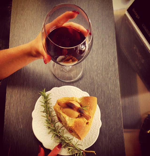 casatiello napoletano vino