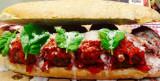 Hamburger. La versione cafona di Pietro Parisi che apre Burger Italy a Napoli