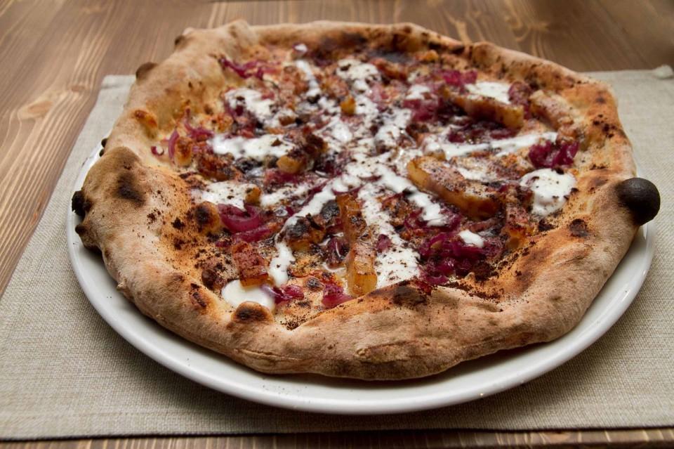 pizza guanciale pecorino