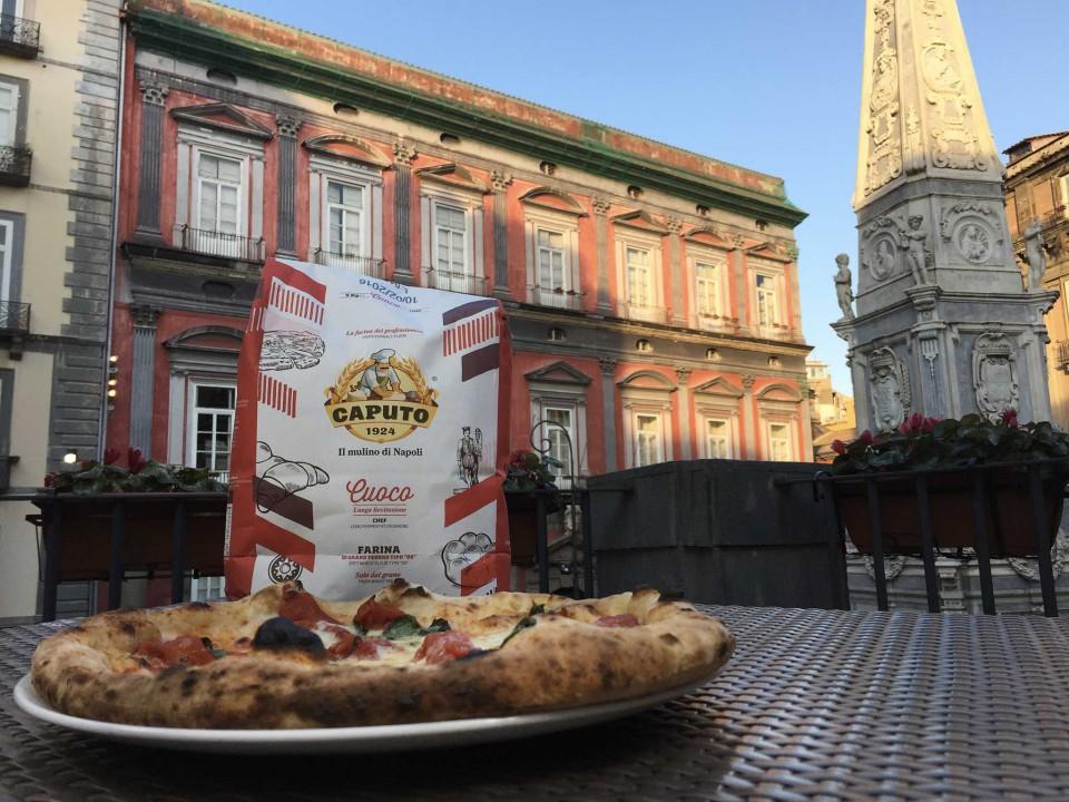 pizza monumento Napoli