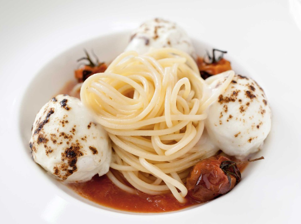 spaghetti pomodoro mozzarella