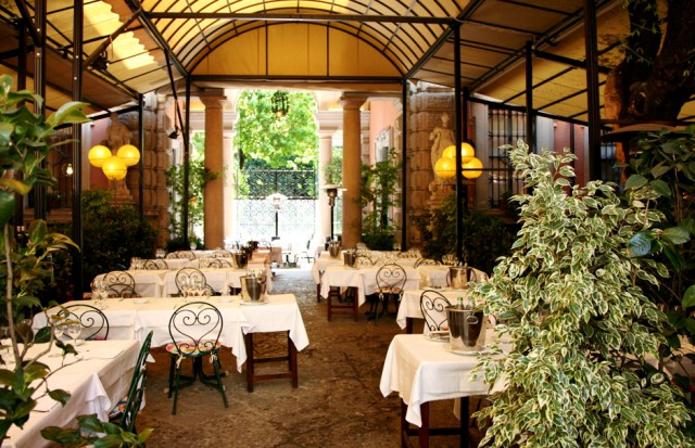 Ristoranti milano 20 tavole con giardino per mangiare all for Design di interni milano
