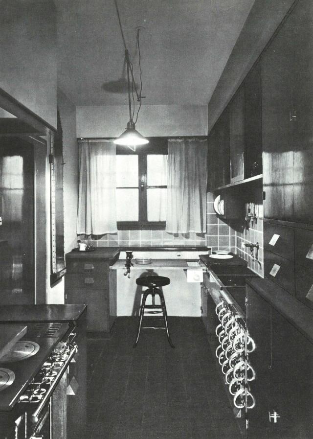 MargareteSchütte-Lihotzky_FrankfurtKitchen_Frankfurt_Germany_1926_ArchivalPhoto-web