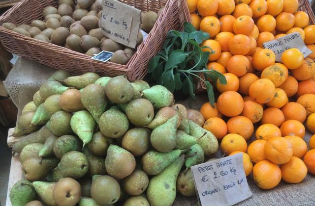 Mercato-Metropolitano-frutta