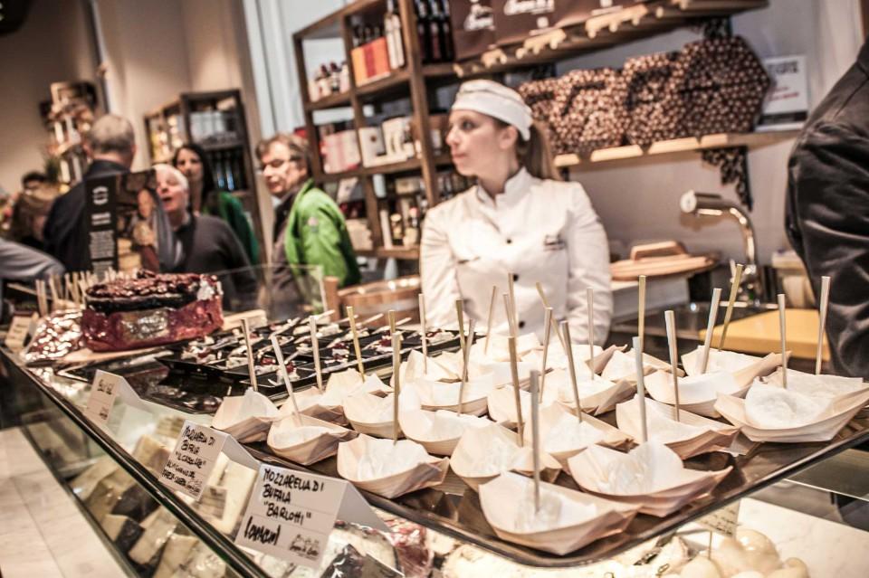 Mercato del Duomo formaggi